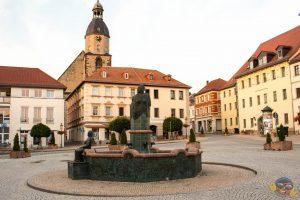 Marktbrunnen - Schmölln -Knopfstadt.de