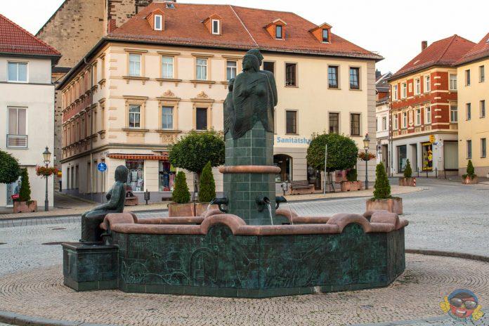 2018 - Marktbrunnen - Schmölln -Knopfstadt.de