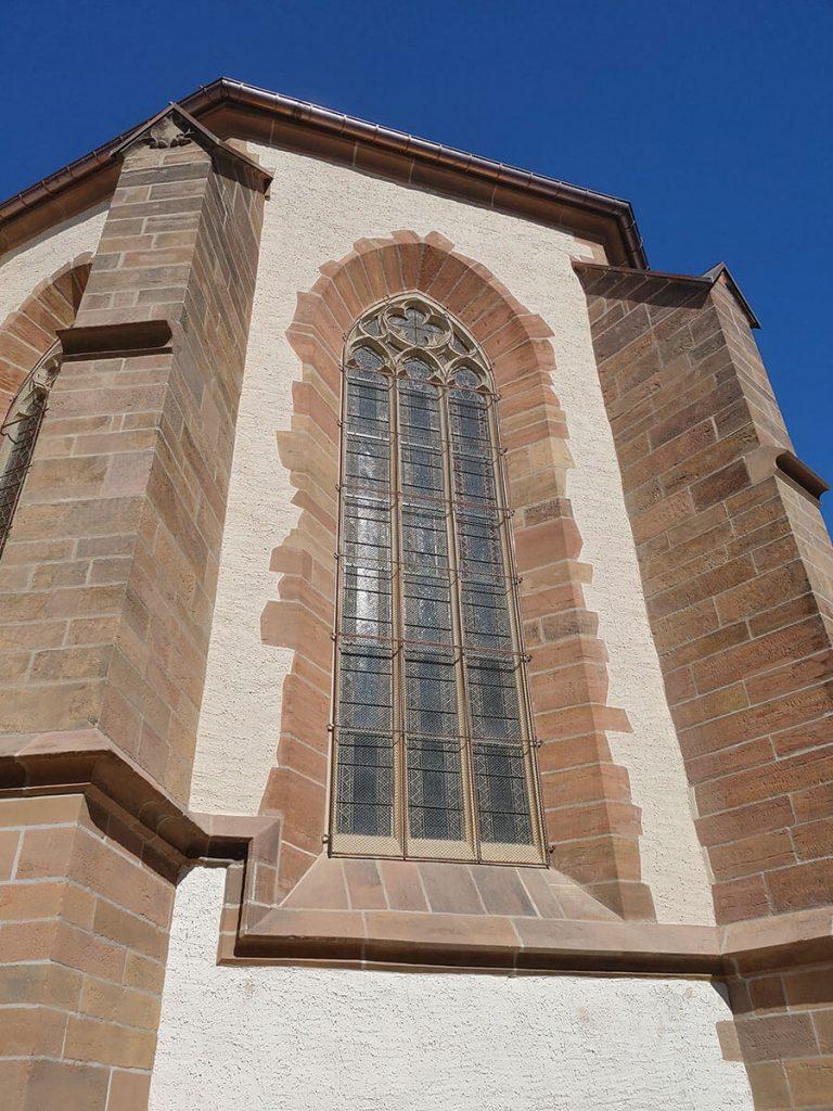 Eines der renovierten Chorfenster.