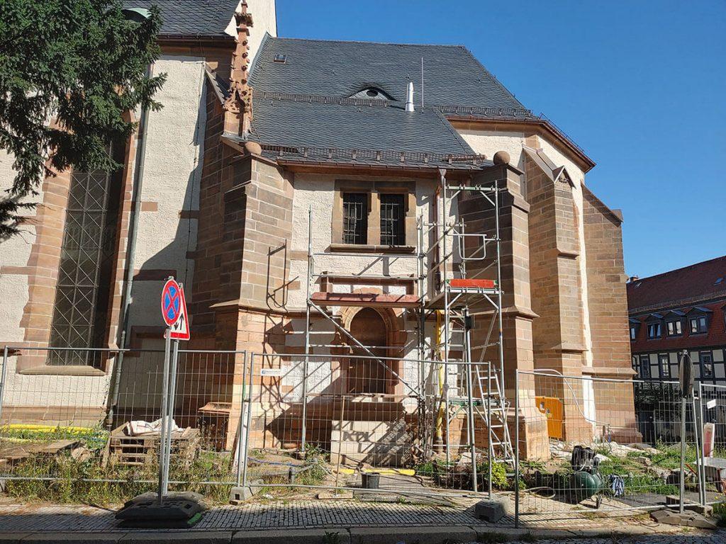 Zum dritten Bauabschnitt der Außensanierung der Schmöllner Stadtkirche gehört auch die Sakristei. Bilder kommen wieder separat